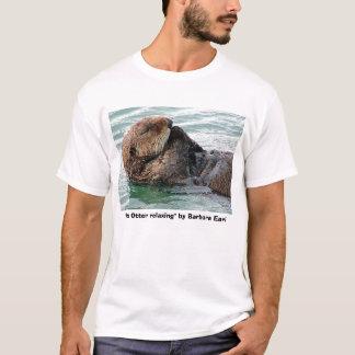 """Camiseta lontra 117c, de """"lontra mar que relaxa"""" pelo conde"""