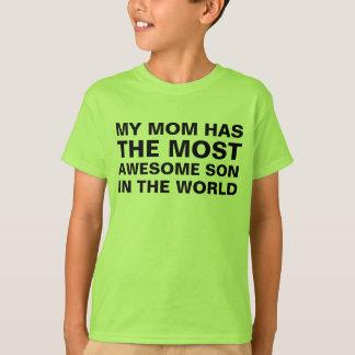 Camiseta Mãe a maioria de dizer impressionante do filho