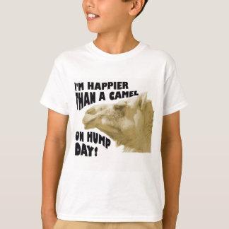 Camiseta Mais feliz do que um camelo