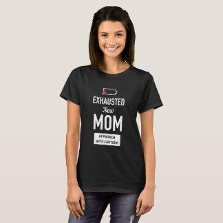 Camiseta Mamã nova esgotada. Aproximação com cuidado!