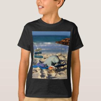 Camiseta Manfred o peixe-boi na praia
