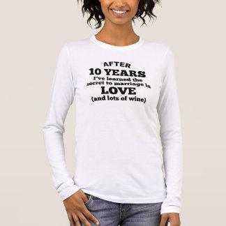Camiseta Manga Longa 10 anos de amor e de vinho
