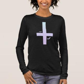Camiseta Manga Longa Cruz Pastel do gótico