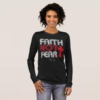 Camiseta Manga Longa O Bella das mulheres do medo da fé não+Camisa das