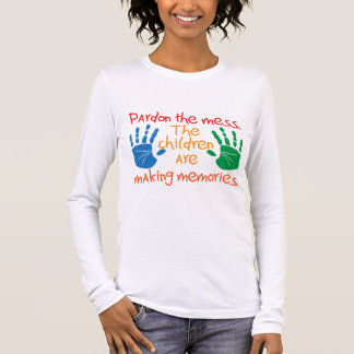 Camiseta Manga Longa Pardon a confusão que as crianças estão fazendo