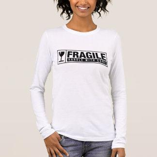 Camiseta Manga Longa Punho frágil com cuidado