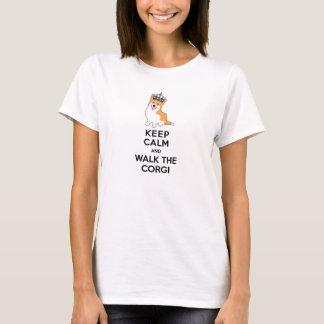 Camiseta Mantenha a calma e ande o cão bonito do Corgi