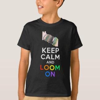 Camiseta Mantenha a calma e apareça no t-shirt (as cores