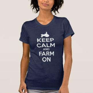 Camiseta Mantenha a calma e cultive-a sobre