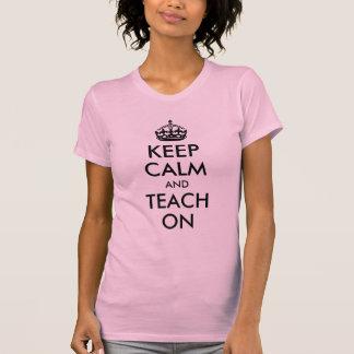 Camiseta Mantenha a calma e ensine-a sobre