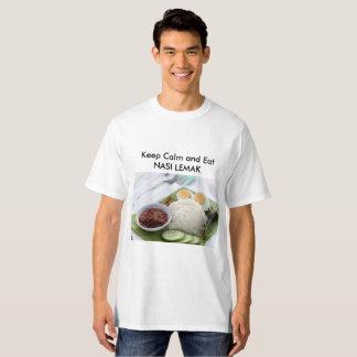 Camiseta Mantenha a calma e Nasi do leste Lemak