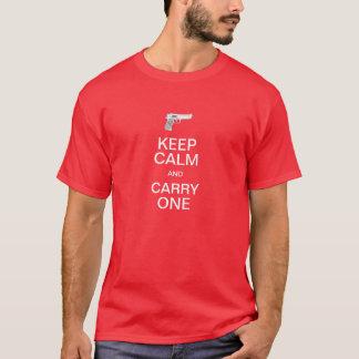 Camiseta Mantenha a calma e o carregar uma