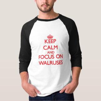 Camiseta Mantenha a calma e o foco em morsas