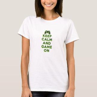 Camiseta Mantenha a calma e o jogo sobre