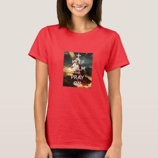Camiseta Mantenha a calma e Pray no T 2 das mulheres