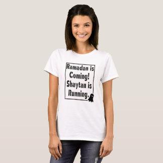 Camiseta Mantenha a calma e prepare-a para t-shirt de