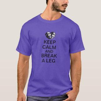 Camiseta Mantenha a calma e quebre um pé!