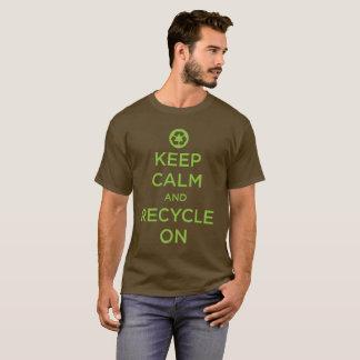 """Camiseta """"Mantenha a calma e recicl """""""