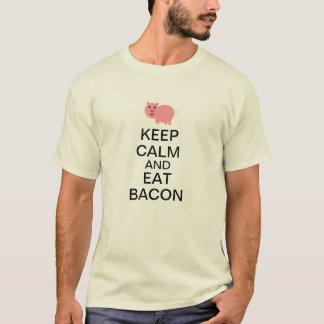 Camiseta Mantenha calmo e coma o bacon