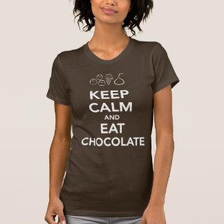 Camiseta Mantenha calmo e coma o t-shirt do chocolate