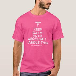 Camiseta Mantenha calmo e deixe o punho de Neoflight isto