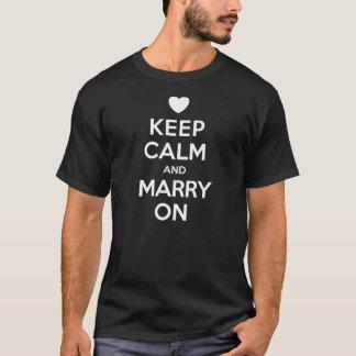 Camiseta Mantenha o casado calmo no t-shirt dos homens