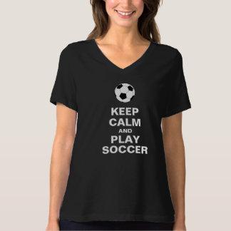 Camiseta Mantenha o t-shirt do futebol da calma e do jogo