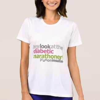Camiseta Marathoner do diabético - eu funciono na insulina