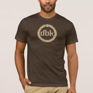 Camiseta marrom do logotipo do dbk