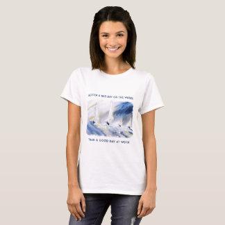 Camiseta Melhore um dia mau no t-shirt da água