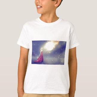 Camiseta Menina contra um meteoro
