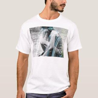 Camiseta Menina na cachoeira