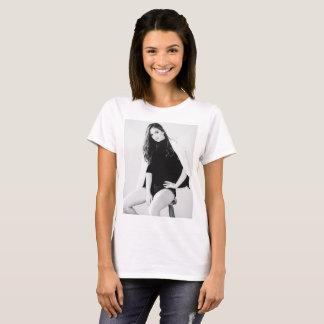 Camiseta Menina no impressão do estúdio