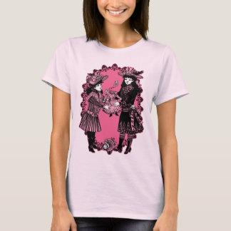 Camiseta Meninas e boneca decapitada