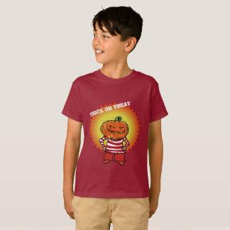 Camiseta menino feliz da abóbora da doçura ou travessura do