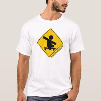 Camiseta Menino sem amarelo de cruzamento do skate de .com