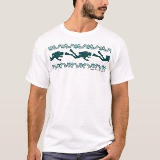 Camiseta Mergulhador e flores