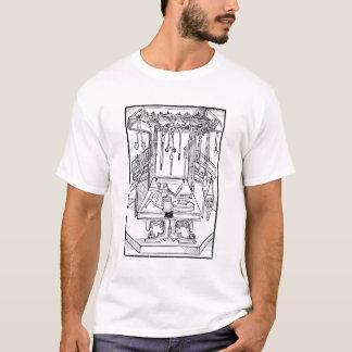 Camiseta Mesa de funcionamento e instrumentos cirúrgicos,