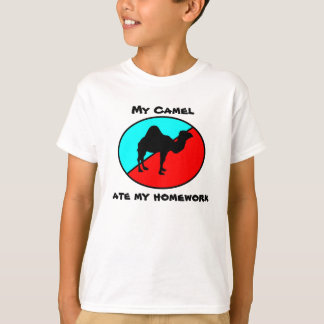 Camiseta Meu camelo comeu meus trabalhos de casa