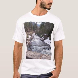 Camiseta Meu coração está aqui perto do rio