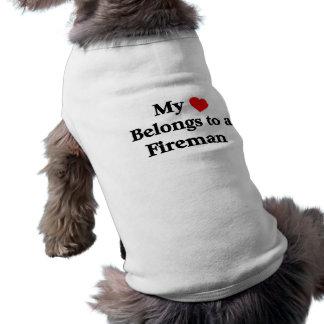 Camiseta Meu coração pertence a um bombeiro