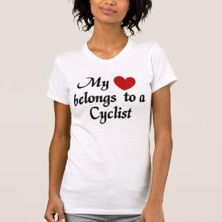 Camiseta Meu coração pertence a um ciclista