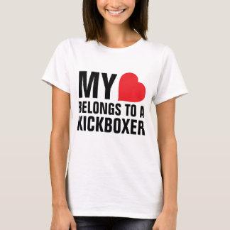 Camiseta Meu coração pertence a um Kickboxer