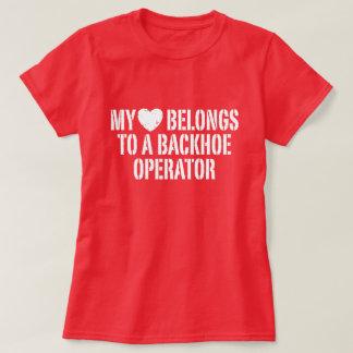 Camiseta Meu coração pertence a um operador do Backhoe