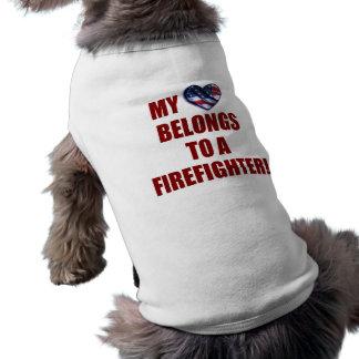 Camiseta Meu coração pertence a um sapador-bombeiro
