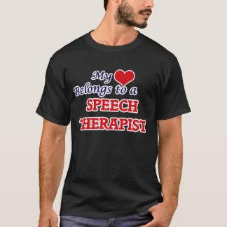 Camiseta Meu coração pertence a um terapeuta de discurso
