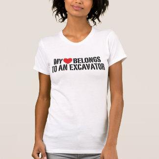 Camiseta Meu coração pertence a uma máquina escavadora