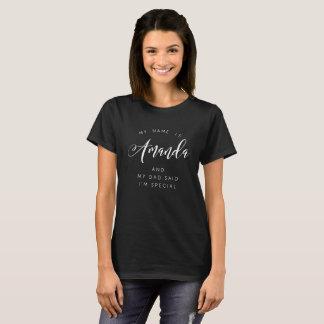 Camiseta Meu nome é Amanda e meu pai disse que eu sou