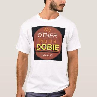 Camiseta Meu outro cão é um Dobie