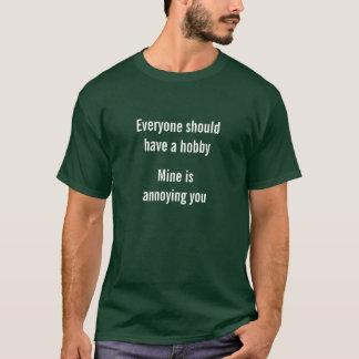Camiseta Meu passatempo é irritante você caras sarcásticas